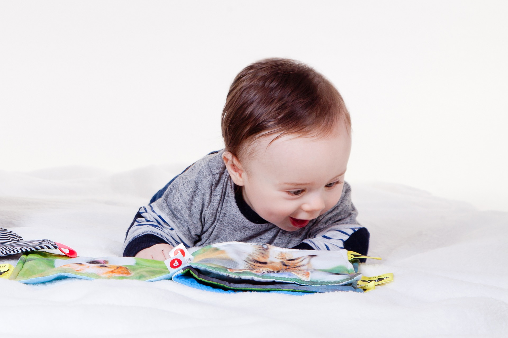ways to make your baby smarter mostly by reading to them